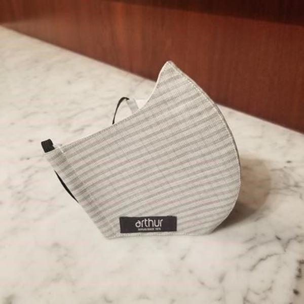 T40 - Small grey checks